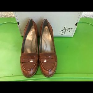 Bass Marquis loafer/pumps tan